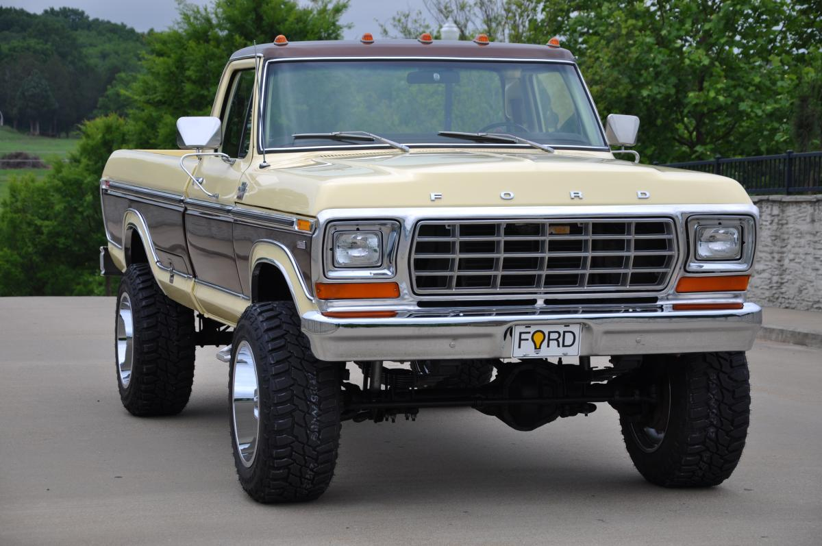 1978 Ford F250 4x4 Lariat 1964 Camper Special